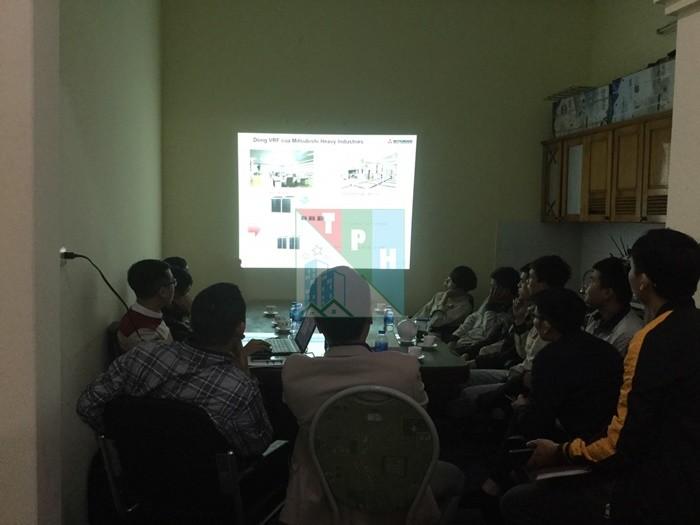 Training Cac San Pham Dieu Hoa Mitsubishi Cho Ky Thuat Tan Phuc Hung (12)