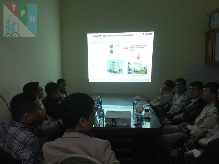 Training Cac San Pham Dieu Hoa Mitsubishi Cho Ky Thuat Tan Phuc Hung (13)
