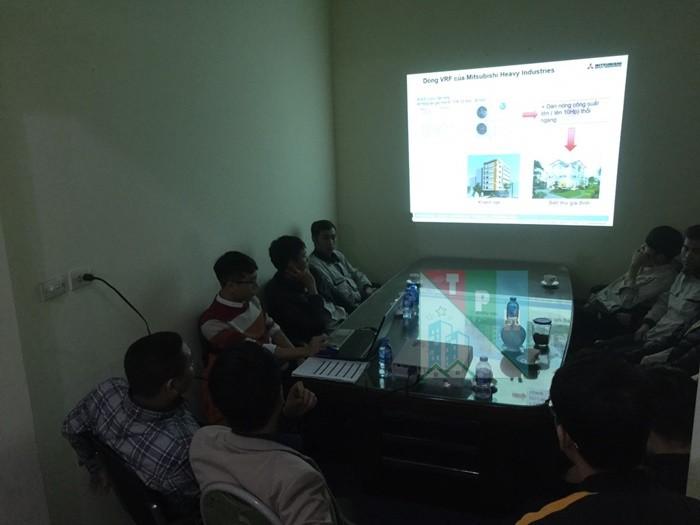 Training Cac San Pham Dieu Hoa Mitsubishi Cho Ky Thuat Tan Phuc Hung (7)
