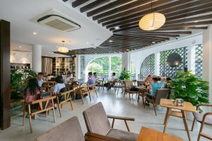 Lăp Dat Dieu Hoa Cho Nha Hang Cafe